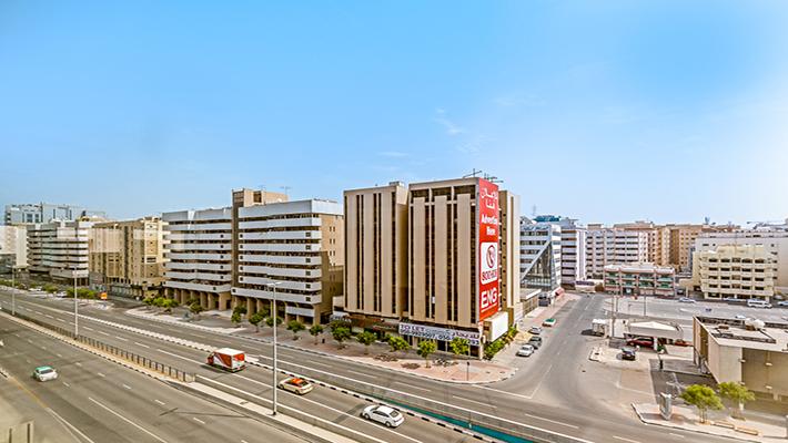 وحدات مكاتب تجارية متوفرة في شارع مطار دبي الدولي أمام قرية الشحن، الموقع المركزي في دبي.